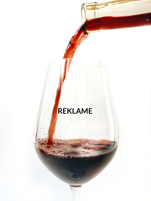 Använd stora glas för vinprovning
